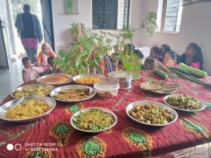 Morning tree distribution and traditional food promotion